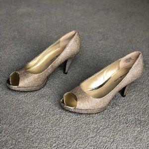 Gold Bandolino formal shoes